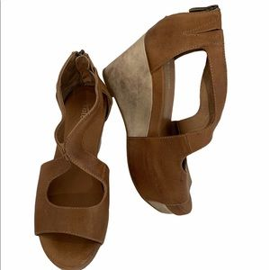 Antelope brown wedge sandals size 36